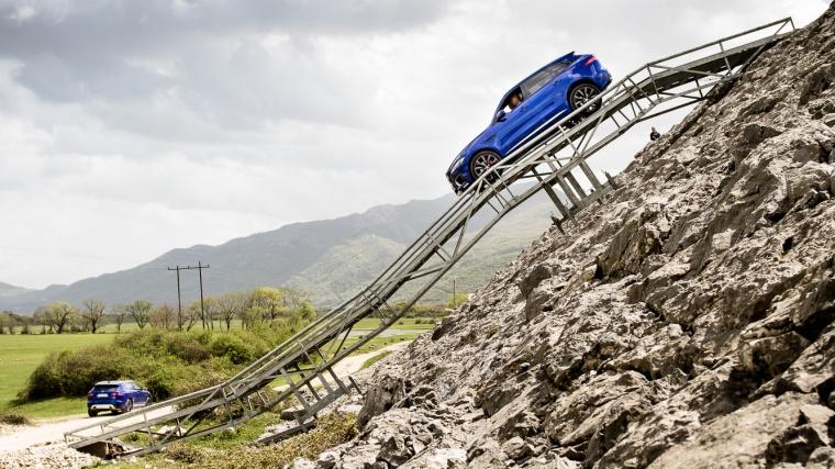 Jaguar, Jaguar F-Pace, F-Pace, Montenegro, Slansko-Damm, Gefälle, Rampe, bergab, Bergabfahrkontrolle, SUV
