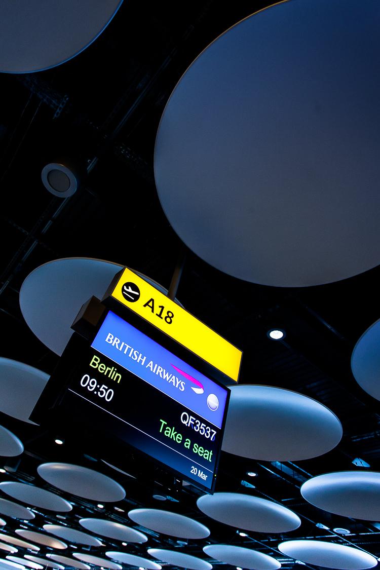 Flughafen, Gate, Abfluggate, London, Heathrow, Decke