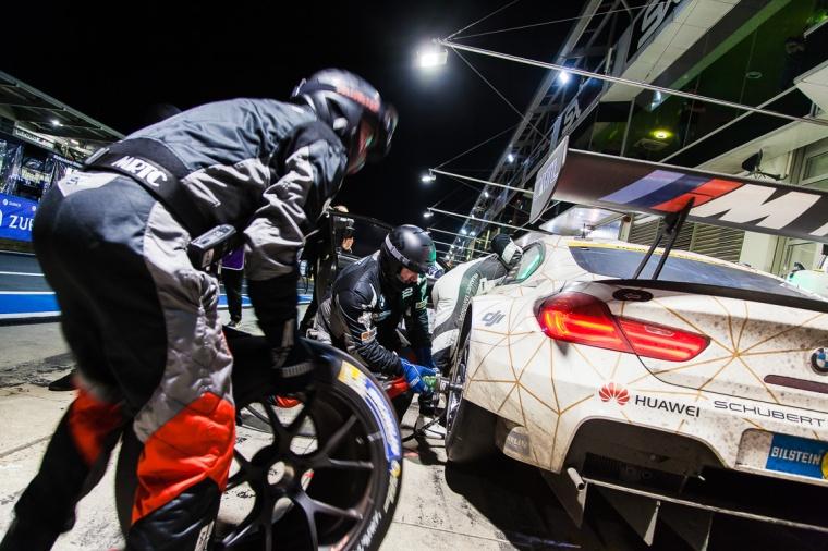 Boxenstopp, Boxengasse, Reifenwechsel, Nürburgring, BMW, BMW M6, 24-Stunden-Rennen, Nacht