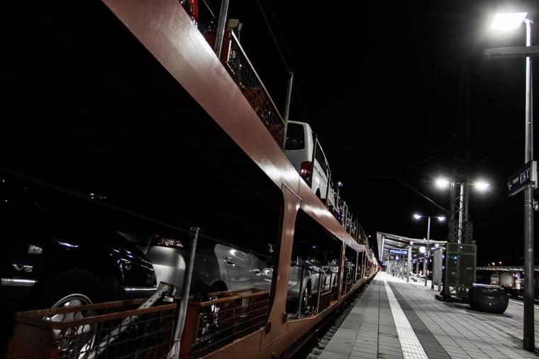 Bahnhof, Bahnsteig, München, Ostbahnhof, Auto, Autoreisezug