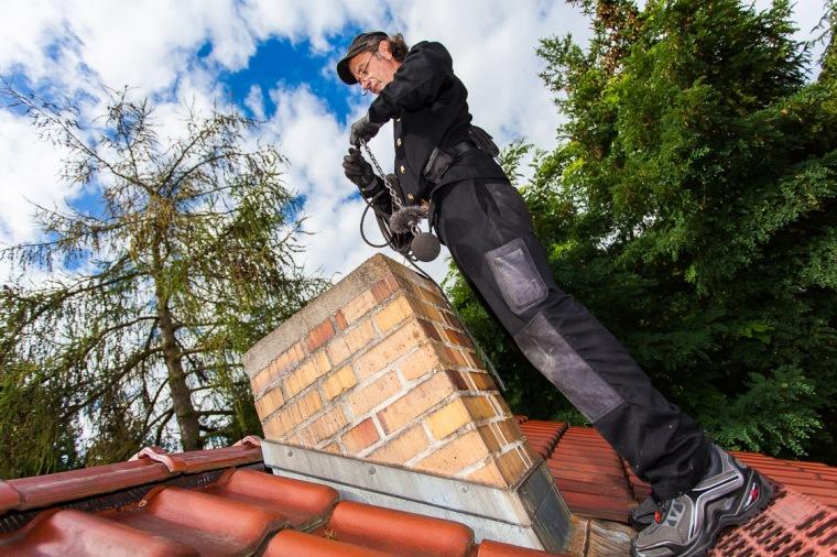 Schornsteinfeger, Arbeit, Schornstein, Dach