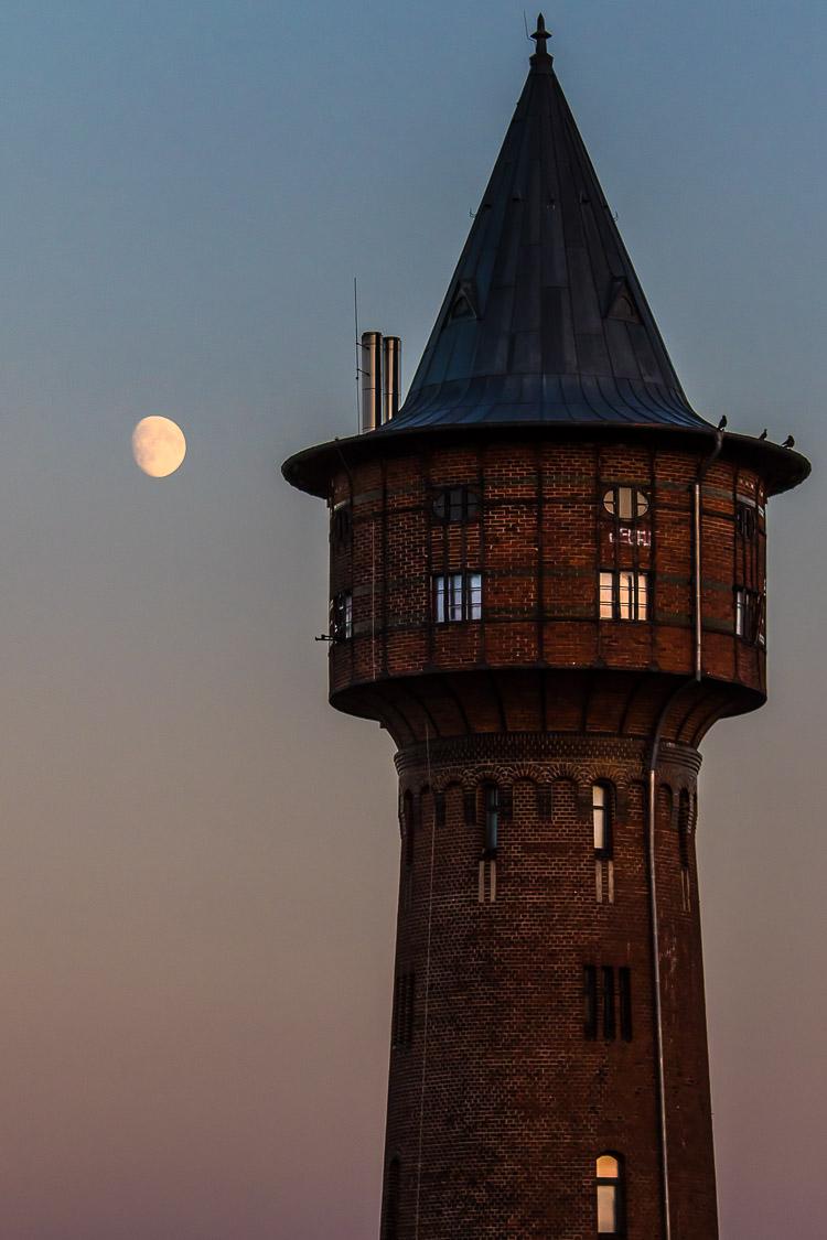 Wasserturm, Wahrzeichen, Zernsdorf, Königs Wusterhausen, Sonnenuntergang, Mond