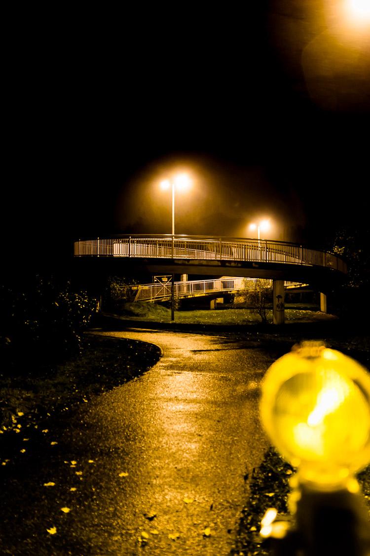 Brücke, Fußgänger, Baustelle, Nacht