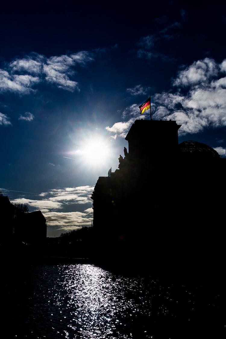 Reichstag, Sonne, Fahne, Flagge
